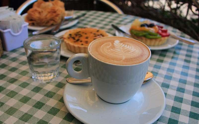 Una trilogía de cafeterías